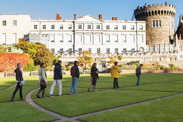 Chancellor's Scholars study in Ireland during fall break